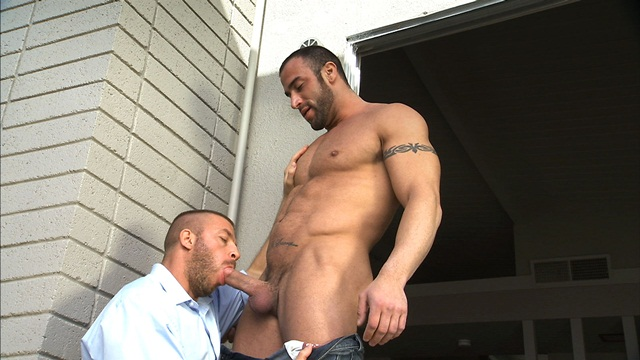 Hunter-Marx-&-Spencer-Reed-002-Ripped-Muscle-Hunk-Strips-Naked-and-Strokes-His-Big-Hard-Cock-for-at-Titan-Men-photo