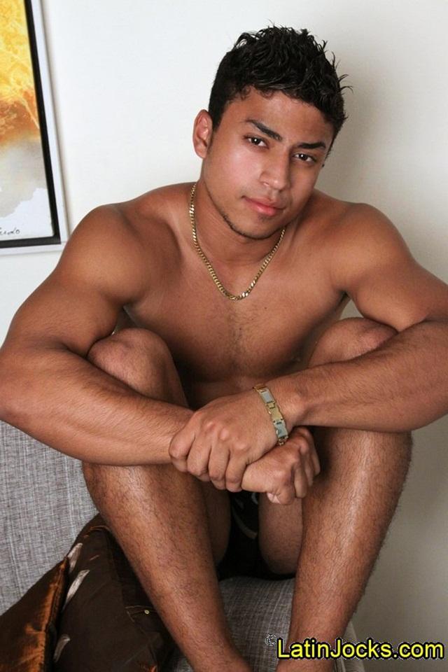 Latin-Jocks-Patrick-20-year-Latin-Jock-ripped-body-sexy-attitude-003-photo