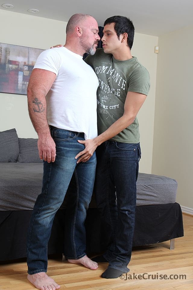 Bronson-Gates-&-Michael-Rogue-001-Ripped-Muscle-Bodybuilder-Strips-Naked-and-Strokes-His-Big-Hard-Cock-for-at-Jake-Cruise-photo