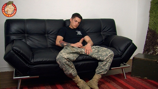 Army man Timo drops his combos and jerks his hard cock at Naked Marine 1 Ripped Muscle Bodybuilder Strips Naked and Strokes His Big Hard Cock photo1 - Army man Timo drops his combo's and jerks his hard cock at Naked Marine