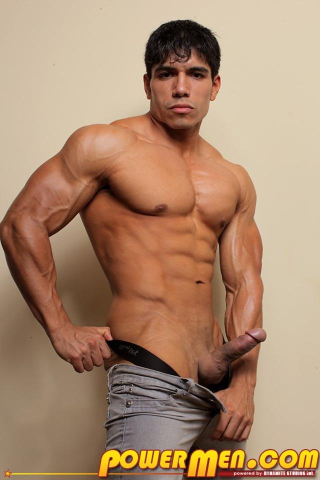 Powermen-muscle-bodybuilder-naked-hunk-Tommy-Rockets2