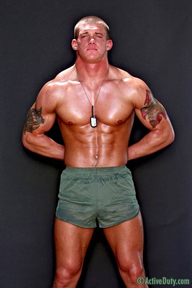 Tanner-is-23-years-old-pure-American-naked-beef-at-Active-Duty-1-Ripped-Muscle-Bodybuilder-Strips-Naked-and-Strokes-His-Big-Hard-Cock-photo