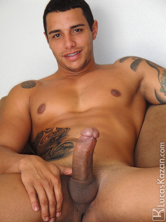 24-year-old-Coyote-with-a-body-a-dick-and-a-mind-built-for-sex-at-Lucas-Kazan-02-Ripped-Muscle-Bodybuilder-Strips-Naked-and-Strokes-His-Big-Hard-Cock-photo-image