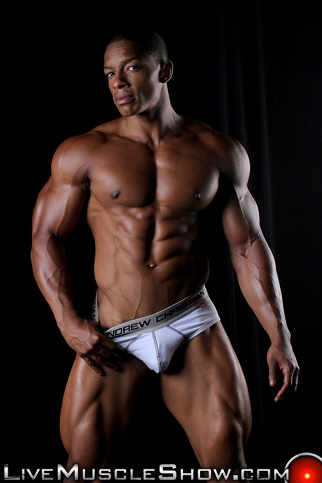 Chat online with Tyson Kobie at Live Muscle Show 01 Ripped Muscle Bodybuilder Strips Naked and Strokes His Big Hard Cock torrent photo1 - Chat online with Tyson Kobie at Live Muscle Show