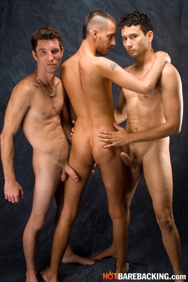 Hot bareback threesome with Gabriel DAlessandro and Gio Ryder and RJ Cummings 01 Ripped Muscle Bodybuilder Strips Naked and Strokes His Big Hard Cock torrent photo1 - Hot bareback threesome with Gabriel D'Alessandro and Gio Ryder and RJ Cummings