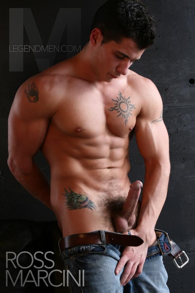 Legend-Men-Ross-Marcini-Ripped-Muscle-Bodybuilder-Strips-Naked-and-Strokes-His-Big-Hard-Cock-torrent-photo