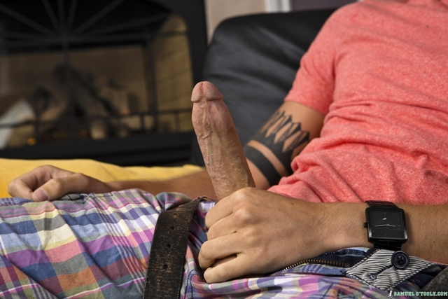 Samuel OToole and Jay Cloud 02 Ripped Muscle Bodybuilder Strips Naked and Strokes His Big Hard Cock torrent photo1 - Samuel o'Toole and Jay Cloud