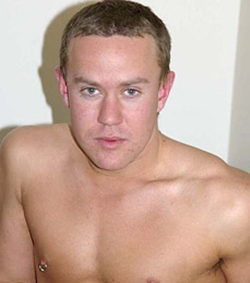 Gay-amateur-real-amateur-guys-AndyStone-photo