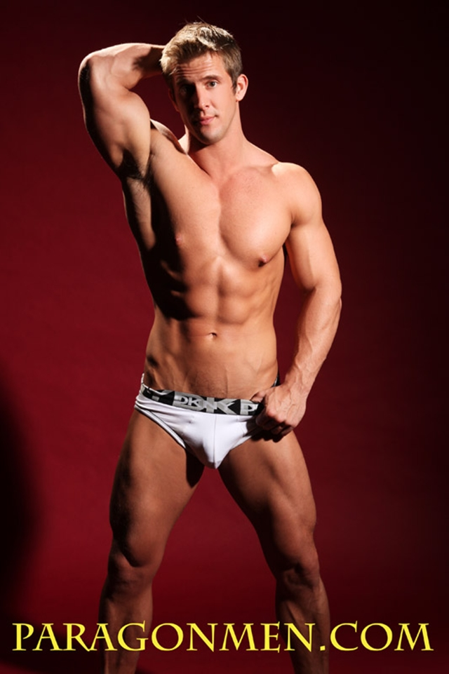 Brad-Adonis-Paragon-Men-all-american-boy-naked-muscle-men-nude-bodybuilder-03-gay-porn-pics-photo
