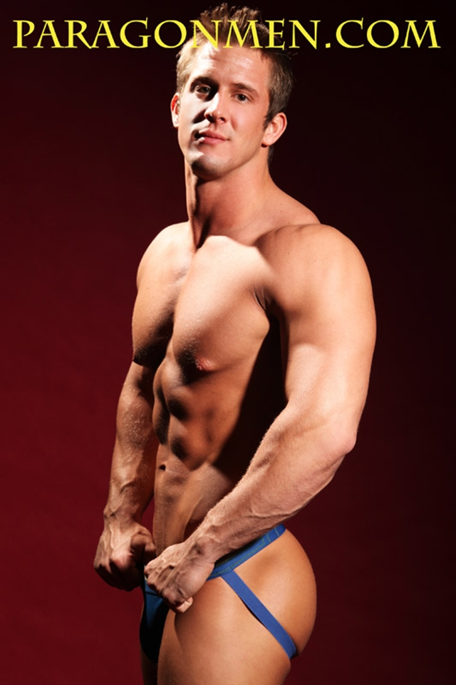Brad-Adonis-Paragon-Men-all-american-boy-naked-muscle-men-nude-bodybuilder-05-gay-porn-pics-photo