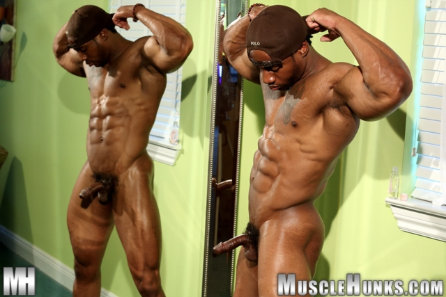 Varik-Best-Live-Muscle-Show-Gay-Naked-Bodybuilder-nude-bodybuilders-gay-muscles-big-muscle-men-gay-sex-01-gallery-video-photo