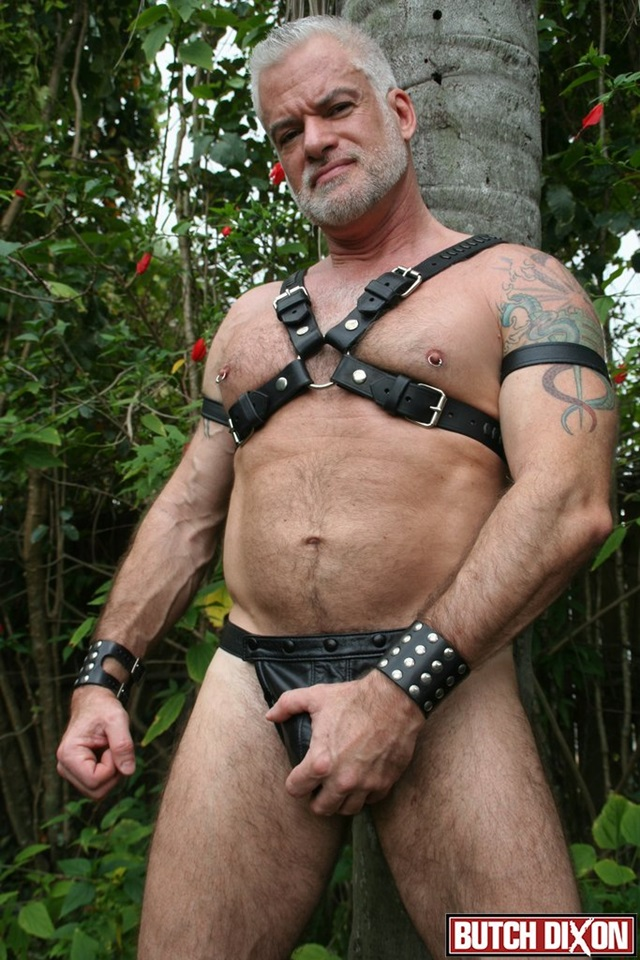 Jake-Marshall-Butch-Dixon-hairy-men-gay-bears-muscle-cubs-daddy-older-guys-subs-mature-male-sex-porn-003-red-tube-gallery-photo