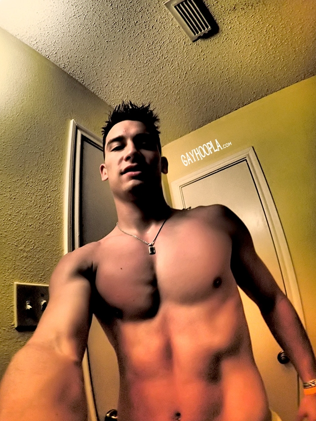 Gay-Hoopla-GayHoopla-young-fresh-faced-18-year-old-Thomas-Diaz-college-football-wank-morning-wood-sweaty-003-male-tube-red-tube-gallery-photo
