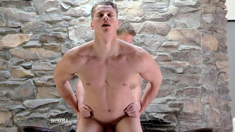 Gay-Hoopla-GayHoopla-Jason-Keys-Christian-Borsk-handsome-muscle-blondes-hotties-juicy-cocks-big-erect-kiss-bath-tight-ass-cheeks-003-tube-download-torrent-gallery-photo