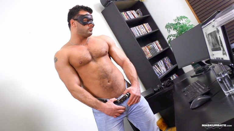 Maskurbate Jeremy Facebook Straight construction worker hockey player bisexual men sucked fucked sexy guy 002 tube video gay porn gallery sexpics photo 768x432 - Straight construction guy Jeremy jerks off his big cock in a mask