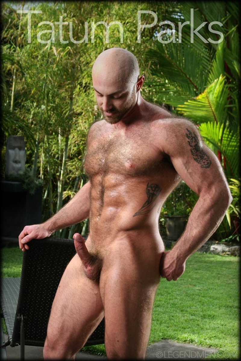 LegendMen big muscle naked bodybuilder Tatum Parks muscle men hairy chested v shaped ripped abs fucker top man huge muscle dick 003 gay porn video porno nude movies pics porn star sex photo - Hairy big muscle bodybuilder Tatum Parks jerks out a huge cum load