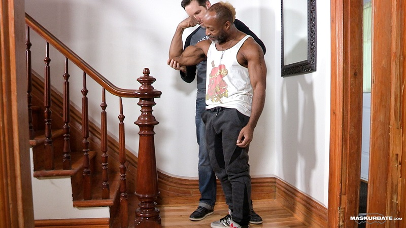 Maskurbate DILF Dad I like to fuck hot mature men worship muscular bodies Robert well hung black guy huge ebony 9 inch long uncut thick dick 02 gay porn star sex video gallery photo - Pascal sucks down hard on DILF Robert's 9 inch black cock