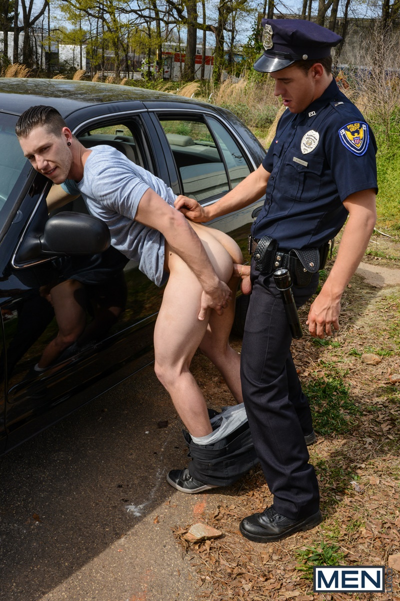 порно видео с ментом в машине хуй