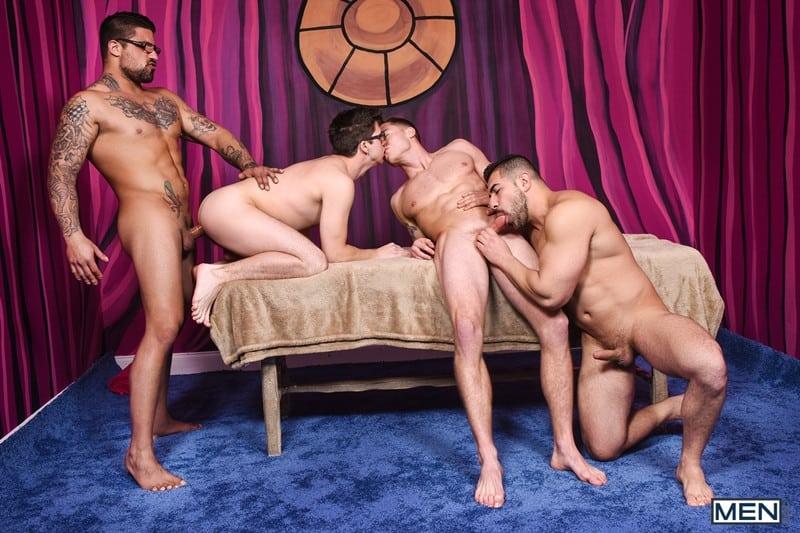 Men for Men Blog Gay-Porn-Pics-019-Damien-Stone-Justin-Matthews-Ryan-Bones-Will-Braun-Muscle-bound-stud-hardcore-ass-fucking-orgy-Men Muscle bound stud Damien Stone, Justin Matthews, Ryan Bones and Will Braun hardcore ass fucking orgy Men