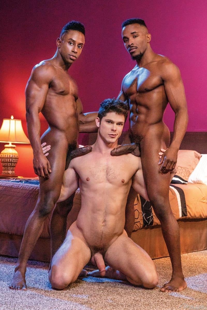 FalconStudios-Pheonix-Fellington-Liam-Cyber-bareback-fucking-Devin-Franco-hot-raw-ass-hole-002-Gay-Porn-Pics