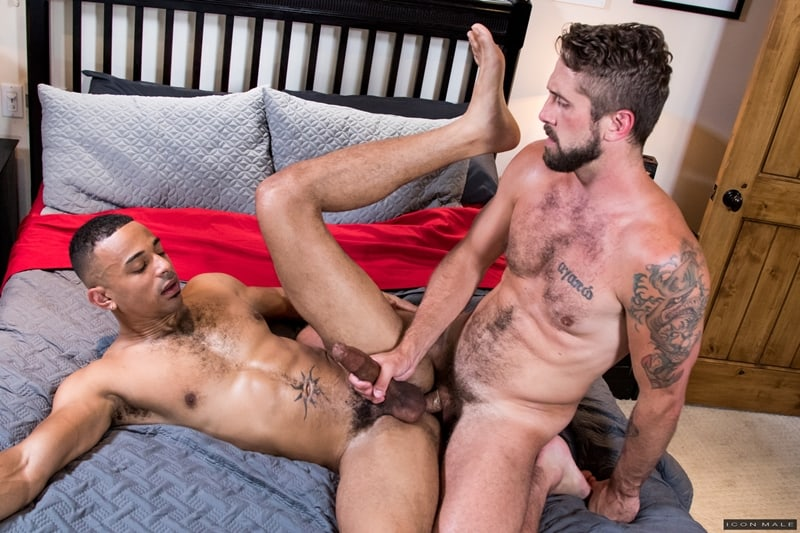 Wesley Woods huge cock fucks young black dude Zario Travezz hot bubble ass hole IconMale 008 Gay Porn Pics - Wesley Woods' huge cock fucks young black dude Zario Travezz's hot bubble ass hole