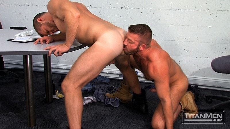 Hairy hunks Hunter Marx huge dick fucking sexy blonde muscle hunk Landon Conrad hot bubble butt 012 gay porn pics - Hairy hunks Hunter Marx's huge dick fucking sexy blonde muscle hunk Landon Conrad's hot bubble butt